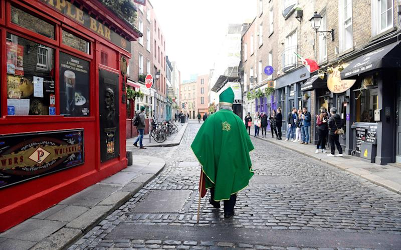 Ireland's pub closed two days before St Patrick's Day - shutterstock