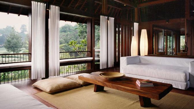Ruang keluarga bergaya tradisional, AK_House di Bogor karya Studio Air Putih. (dok. Arsitag.com/Dinny Mutiah)