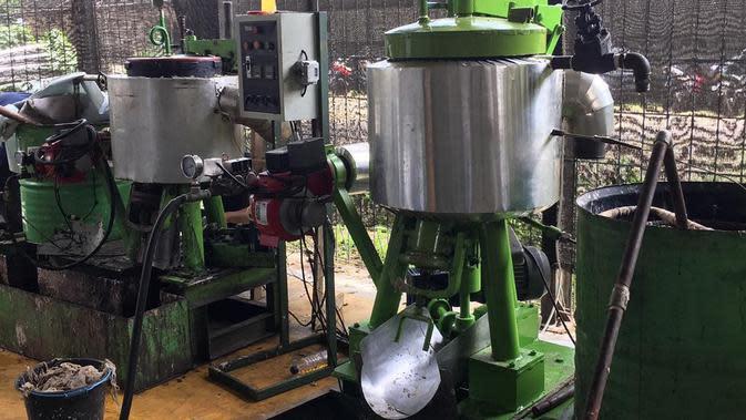 Mesin hidrotermal dan pirolisis untuk solusi untuk mengurangi limbah popok dan pembalut sekali pakai. (dok. Instagram @golimbah/https://www.instagram.com/p/B6-CjrUA-cl//Adhita Diansyavira)