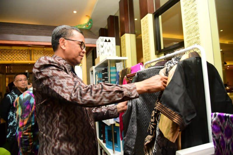 Gubernur Sulawesi Selatan resmikan Gerai Silk of Sengkang