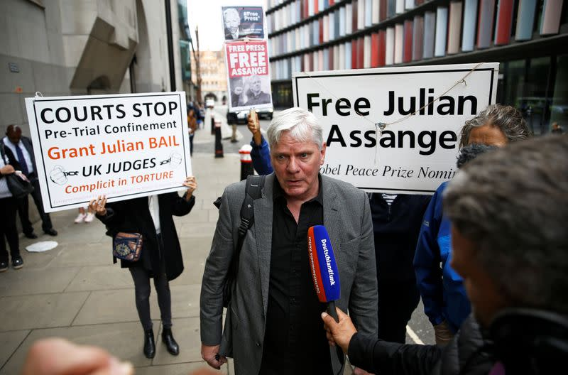 WikiLeaks acted in public interest, 'Pentagon Papers' leaker tells Assange hearing