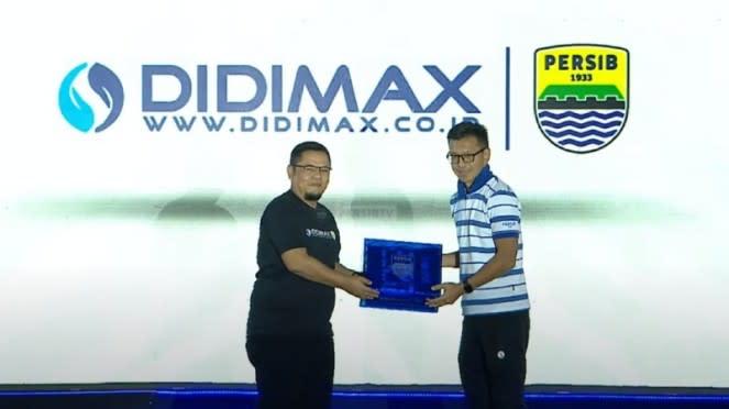 Persib Bandung menjalin kerjasama sponsorship.
