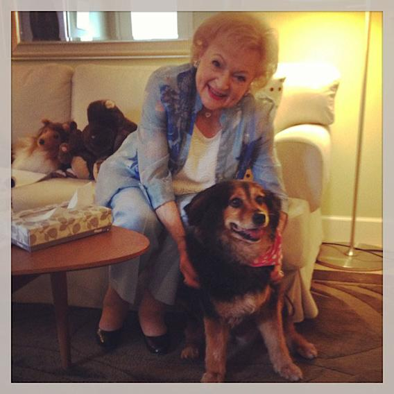Betty White Yahoo! TV Instagram: It's always nice when friends come to visit my dressing room. This is Bella! -Betty #bettywhite #hotlive #hotincleveland #tvland