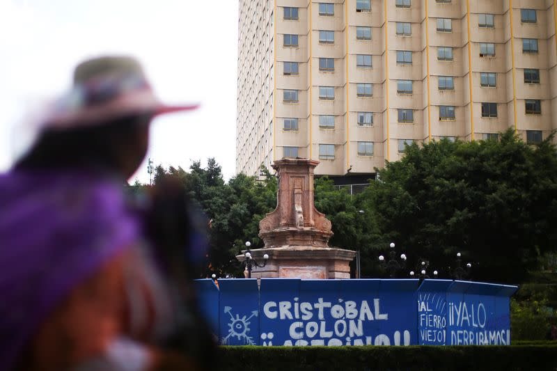 Mexico removes Columbus statue ahead of annual protest