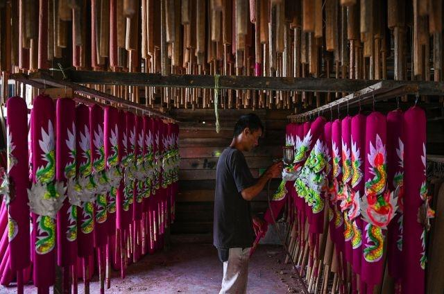 Malaysia's hand-made incense craftwork a declining art