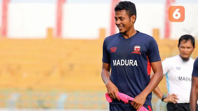 Gelandang baru Madura United, Zulfiandi. (Bola.com/Aditya Wany)