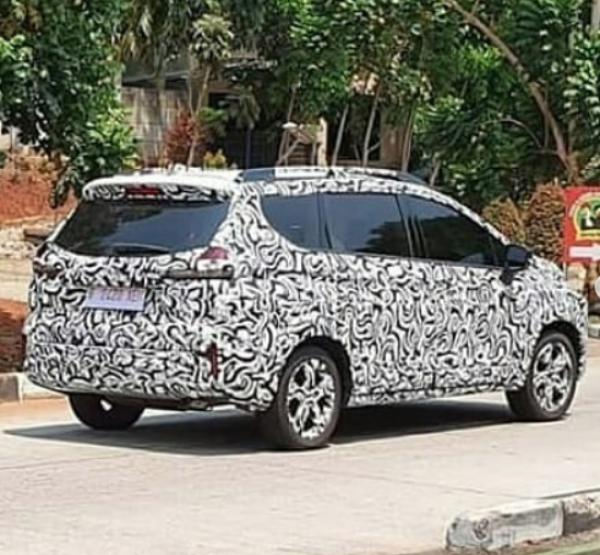Xpander BergayaCrossover Segera Muncul, Harga Mirip Honda HRV