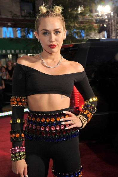 Miley Cyrus's Unique VMAs Hairstyle Draws Criticism, Comparisons