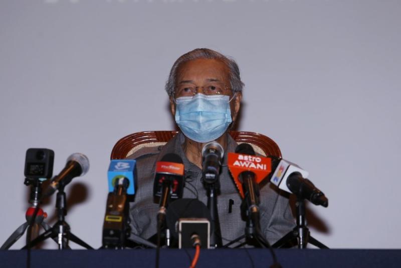 File picture shows Tun Dr Mahathir Mohamad at a press conference at Yayasan Kepimpinan Perdana in Putrajaya May 18, 2020. — Picture by Choo Choy May