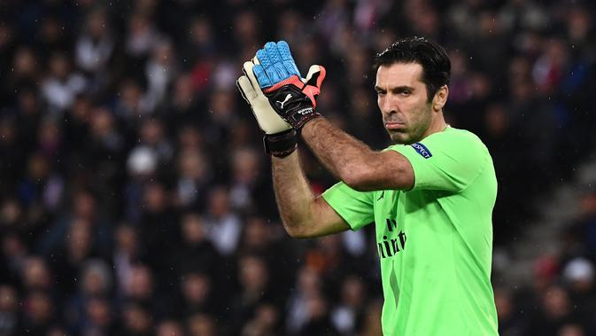 9. Gianluigi Buffon (PSG) - Overall 86 (AFP/Anne-Christine Poujoulat)
