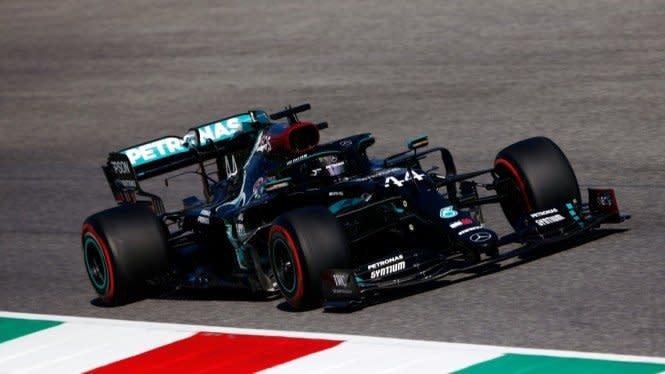 Hamilton Dominan, Raih Pole Position di F1 GP Rusia