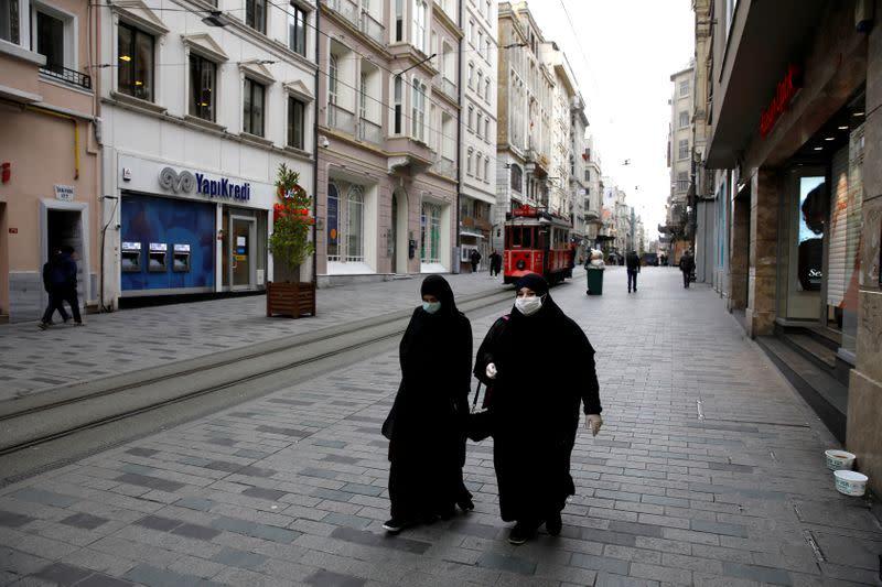 Turkey could tighten coronavirus controls as strains, criticism grow