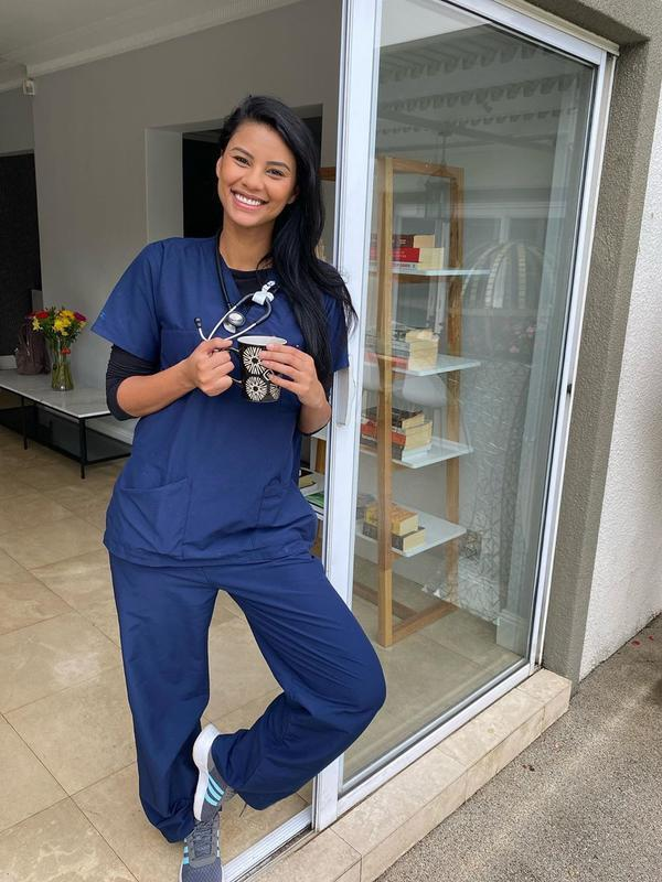 Tamaryn Green, runner up Miss Universe 2018, telah resmi jadi dokter sejak Desember 2019. (dok. Instagram @tamaryngreen/https://www.instagram.com/p/B67PfFHHbgx/)