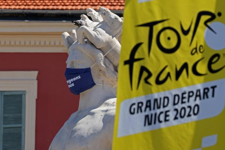 Tour de France teams to be expelled for two Covid-19 positives in entourage