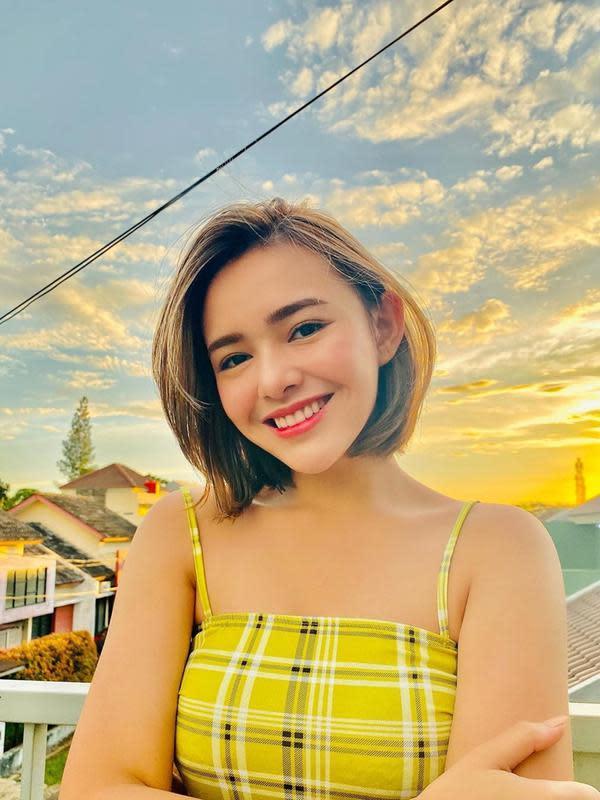 Wanita kelahiran 6 Desember 1999 ini juga terlihat cukup sering mengunggah berbagai kegiatannya di media sosial. Termasuk saat dirinya memutuskan untuk mengubah model rambut panjangnya. (Liputan6.com/Ig/@amandamanopo)
