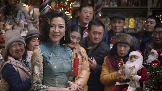Michelle Yeoh memperkuat film Last Christmas. (Foto: Dok. IMDb/ Universal Pictures)