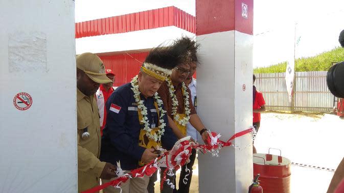 Peresmian BBM satu harga di Distrik Mapia, Kabupaten Dogiyai, Papua. (Liputan6.com/Katharina Janur)