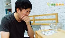 嚴重鼻塞… 醫籲:嚴重鼻中隔彎曲不治,小病痛恐拖成大病症