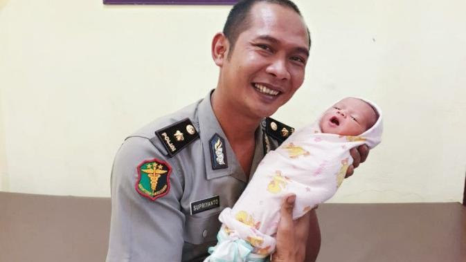 Pesona Bayi Ganteng yang Terlantar di Pekanbaru