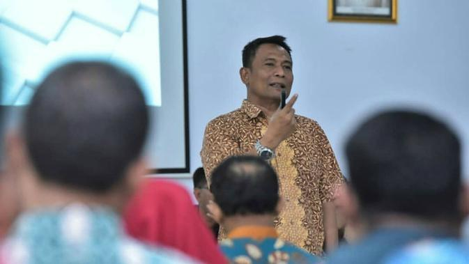 Kepala Dispendik Kota Surabaya Supomo (Foto: Liputan6.com/Dian Kurniawan)