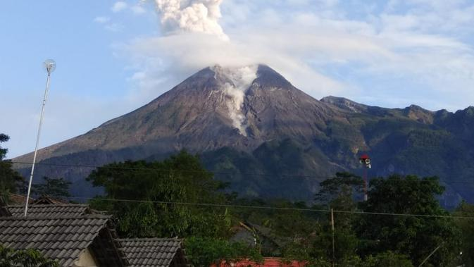 Gunung Merapi Erupsi, Warga Biasa Saja