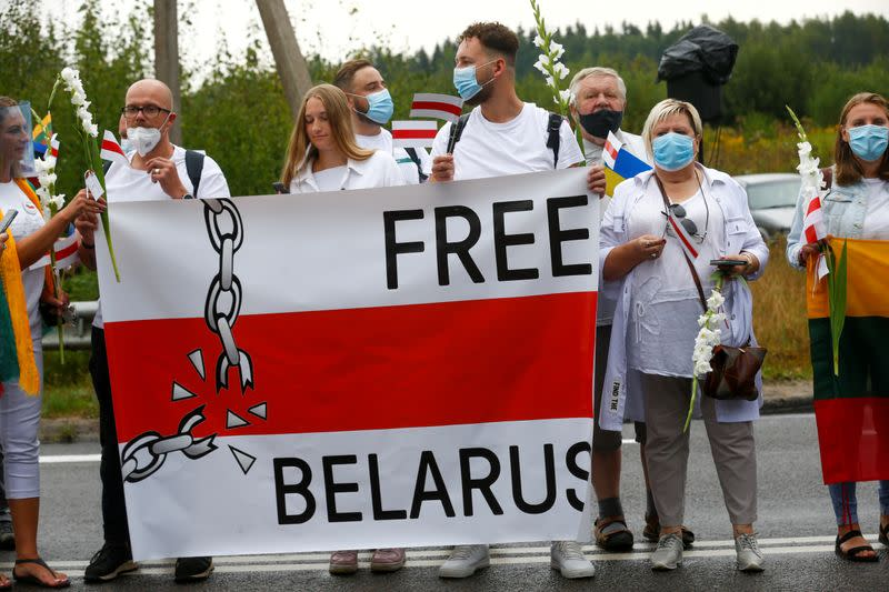 Lithuanians stand in vast chain of support for Belarus opposition