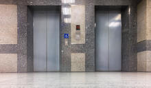 【Yahoo論壇/呂建和】人嚇人會嚇死人好不好之「電梯驚魂記」!