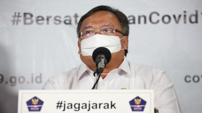 Menteri Riset dan Teknologi/Kepala Badan Riset dan Inovasi Nasional (BRIN) Bambang PS Brodjonegoro menyampaikan ventilator portabel untuk pasien COVID-19 di Graha BNPB, Jakarta, Senin (7/4/2020). (Dok Badan Nasional Penanggulangan Bencana/BNPB)