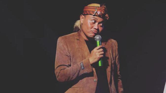 20 Kata-kata Lucu Sule, Komedian Terkenal Indonesia