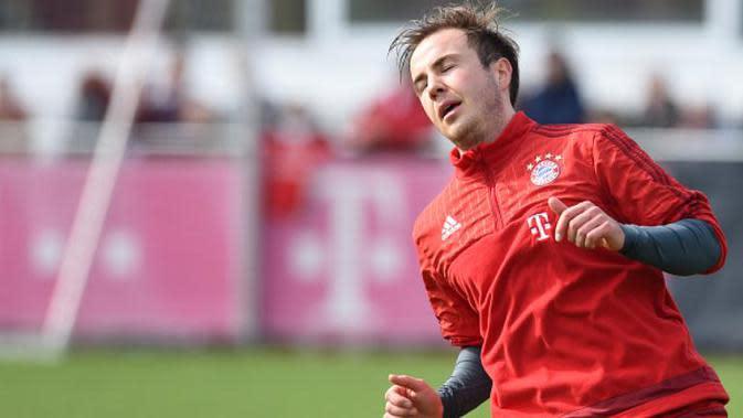 Mario Gotze - Biaya £ 27,75 juta dikeluarkan the Bavarian untuk memboyong Gotze dari Dortmund. Namun dengan bakat yang dimiliki, pemain 25 tahun tersebut gagal mengulangi performa impresif kala memperkuat the Borrusian. (AFP/Christof Stache)