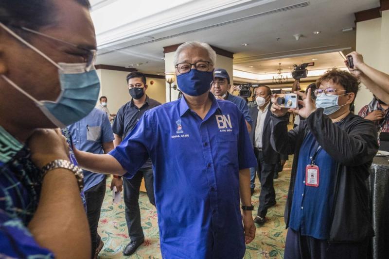 Umno vice-president Ismail Sabri Yaakob arrives at the Magellan Sutera Resort in Kota Kinabalu September 27, 2020. — Picture by Firdaus Latif