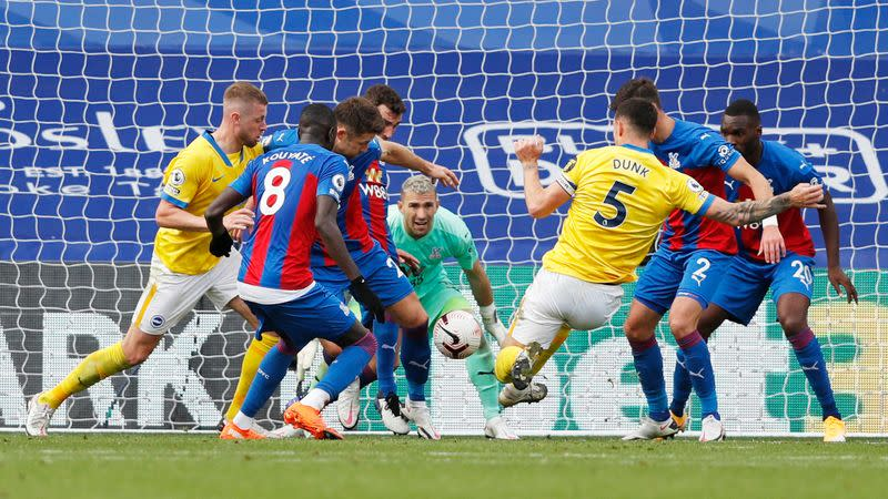 Brighton grab deserved late point at Palace