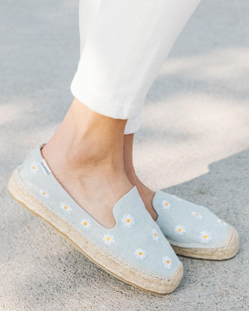 Daisies Embroidered Espadrille