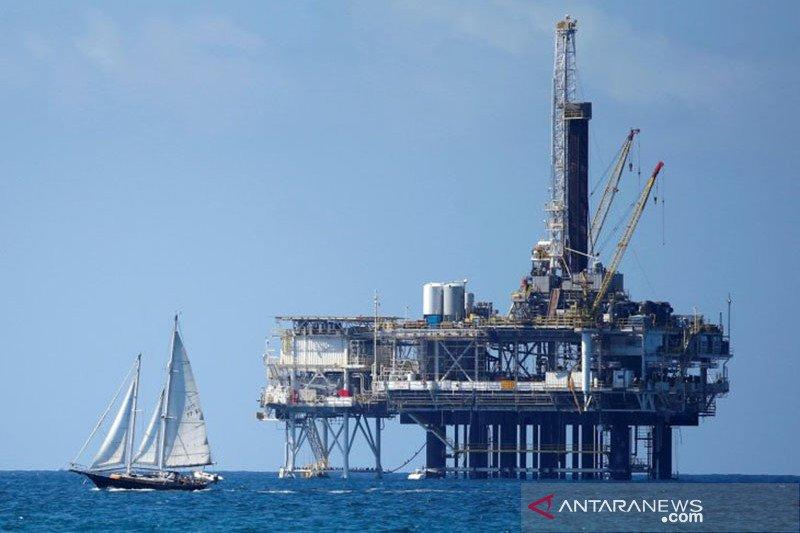 Harga minyak turun, tertekan ketegangan AS-China dan keraguan OPEC+