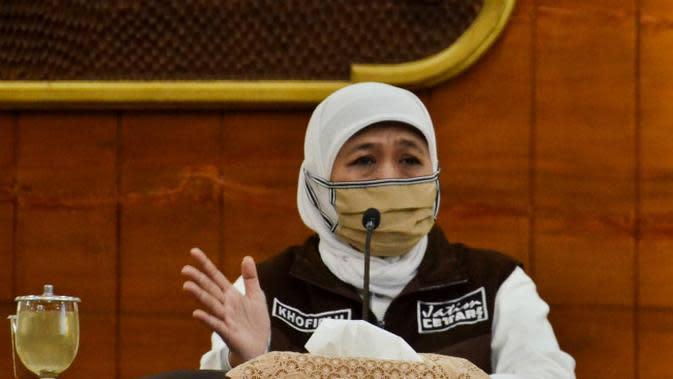 Ribuan Pelayat Antar Pimpinan Pondok Gontor KH Abdullah Syukri Zarkasyi ke Tempat Peristirahatan Terakhir
