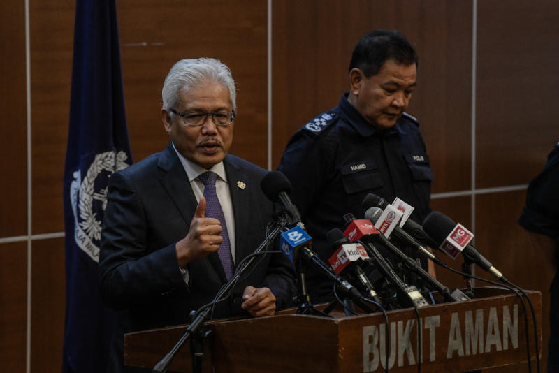 Home Minister Datuk Seri Hamzah Zainudin speaks during press conference in Kuala Lumpur March 31, 2020. — Picture by Firdaus Latif