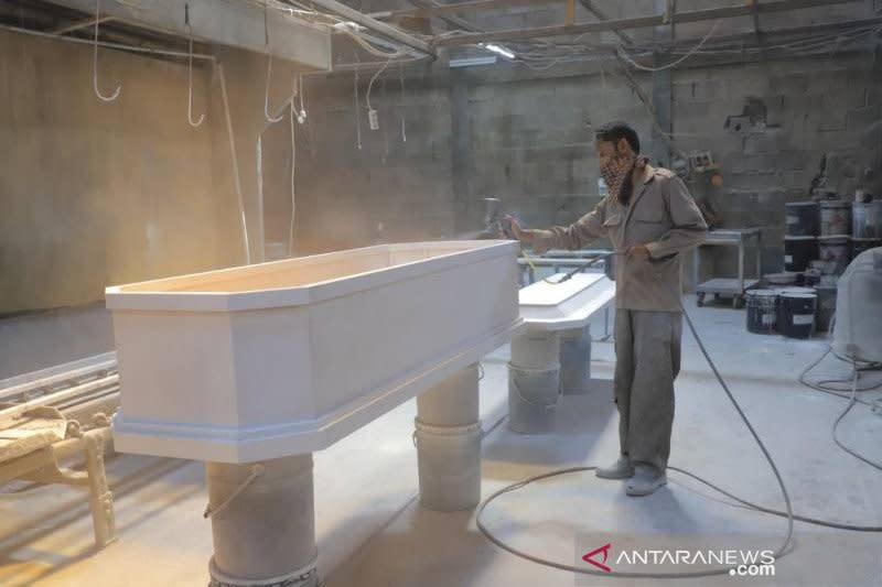 Bantu penanganan pandemi, pengusaha furnitur alih produksi peti mati