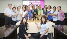 全國議長盃桌球 南市議會5金1銅4優勝創紀錄慶功