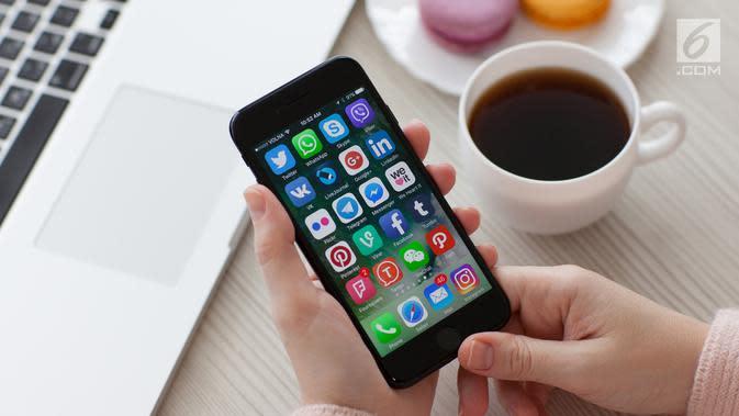Ilustrasi Foto Telepon Genggam atau Handphone (iStockphoto)
