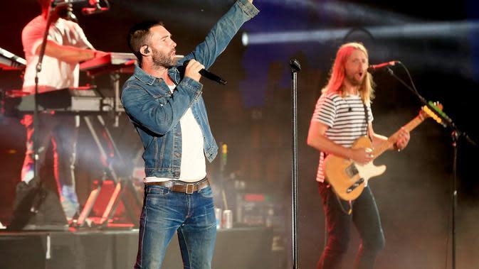 Lirik Lagu One More Night - Maroon 5
