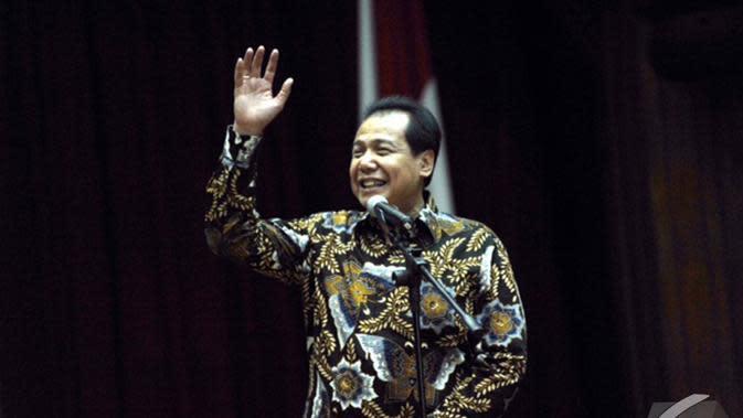Mantan Menko Perekonomian Chairul Tanjung berpidato terakhir usai serah terima masa jabatan di Jakarta, Senin (27/10/2014). (Liputan6.com/Andrian M Tunay)