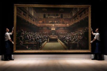 Lukisan politisi simpanse Banksy 'Devolved Parliament' terjual lebih dari 12 juta dolar AS