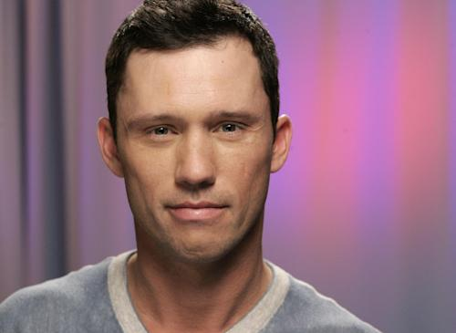 "FILE - In this February 24, 2010 file photo, actor Jeffrey Donovan poses for a portrait, in New York. Hot news for ""Burn Notice"" fans: Jeffrey Donovan, who plays the CIA operative Michael Westen, says one of the main characters dies in the show's sixth season premiering Thursday, June 14, 2012, on the USA Network. (AP Photo/Jeff Christensen, File)"