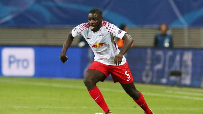 Liverpool tertarik membeli Dayot Upamecano dari RB Leipzig.