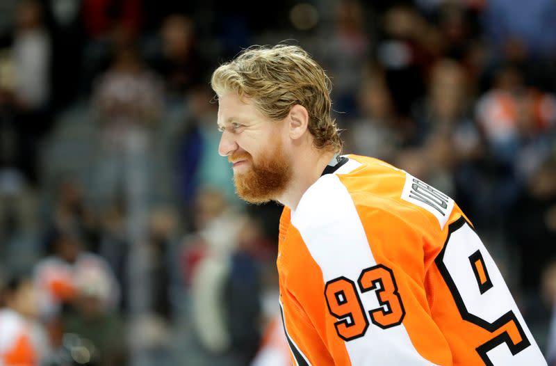 Flyers' Voracek back on ice after delayed virus test