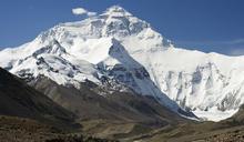 最高與最深都遭人為汙染 聖母峰頂發現「塑膠微粒」蹤跡