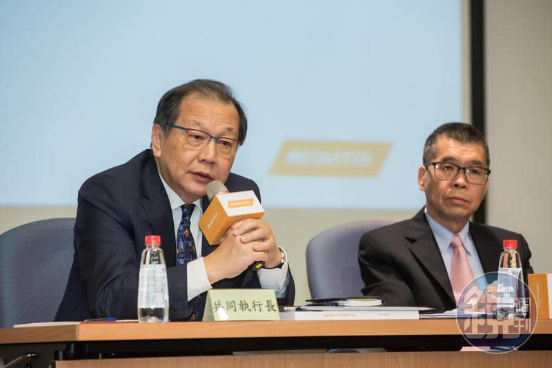 蔡明介(右)找來前台積電總執行長蔡力行(左),協助聯發科在國際化和產品多元化發展。
