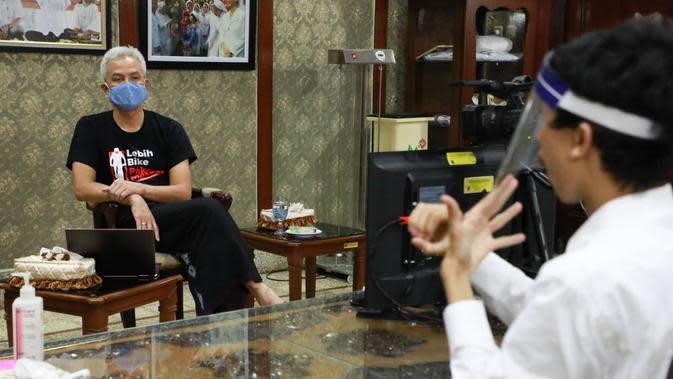 Ganjar Pranowo Terima Penyandang Disabilitas Magang di Pemprov Jateng