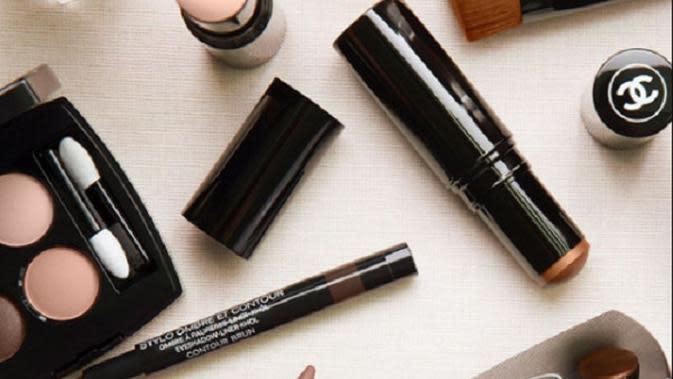Chanel makeup. Sumber foto: Instagram/Chanel Beauty.