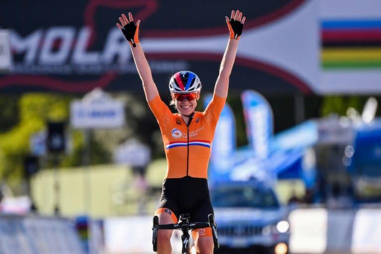 'Incredible' Van der Breggen powers to rare double win at worlds